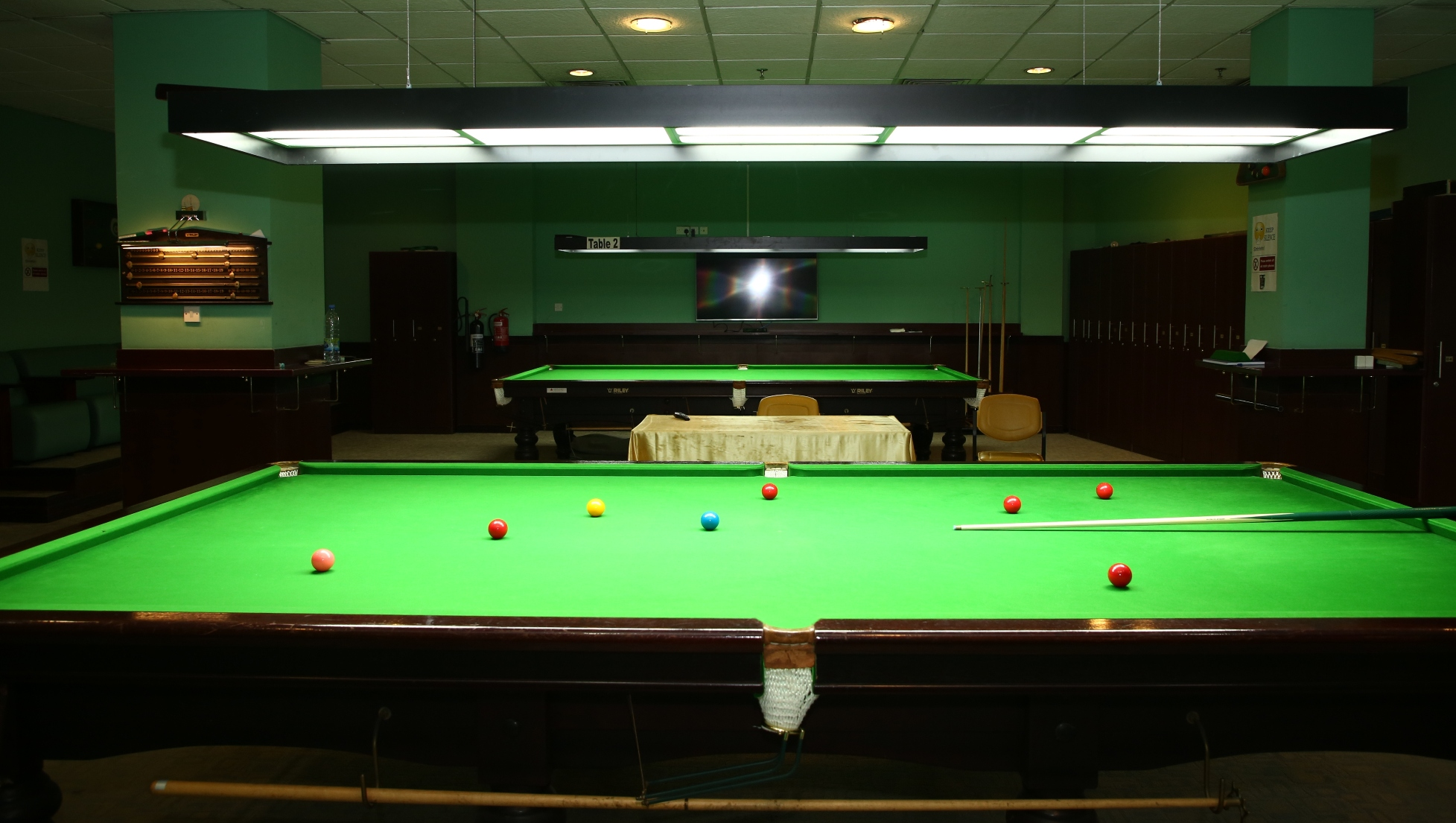 SNOOKER/ BILLIARDS